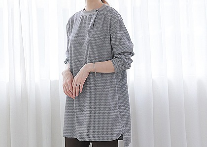 one button 시보리 long blouse
